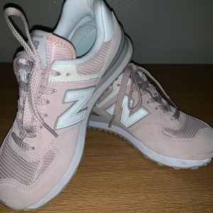 New Balance 574 Classic Athletic Shoes